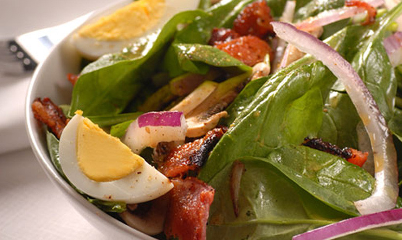 Topla salata sa spanaćem