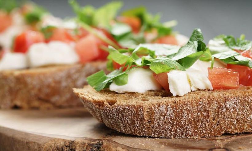 Tomatini sendvič