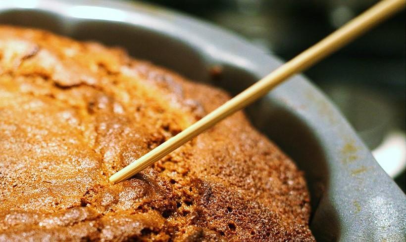Kako proveriti je li biskvit pečen