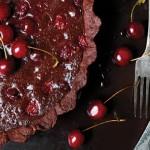 Čokoladni tart sa višnjama by Poslastičar