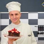 Čokoladni kolač bez brašna sa jagodama by Poslastičar