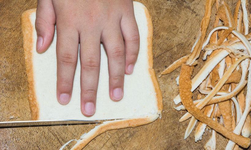 Obsecite koru sa tost hleba