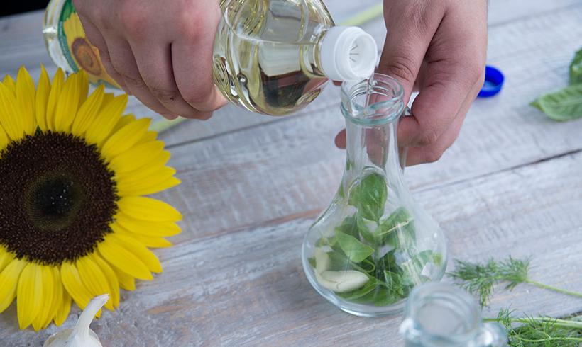 Dodati Sveže ulje u bočicu sa začinima