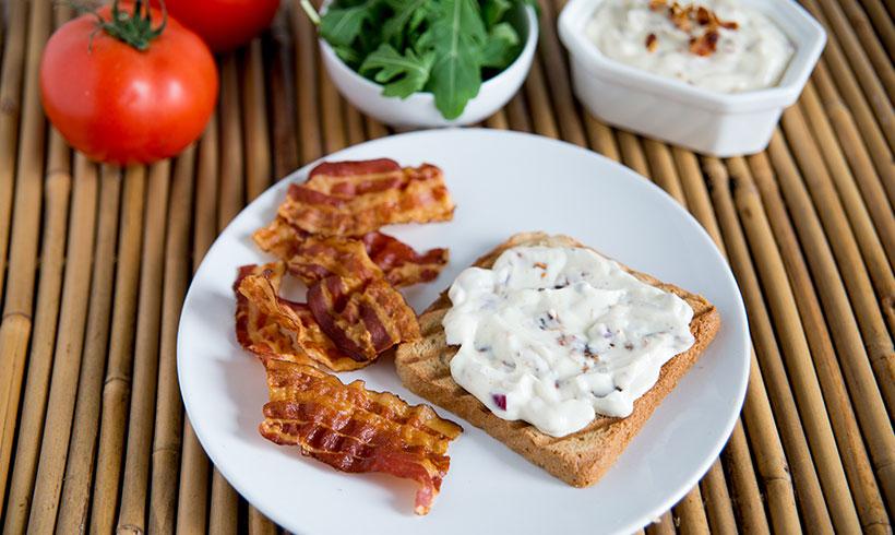 Za vrhunsko uživanje, premažite tost dok je vreo :)