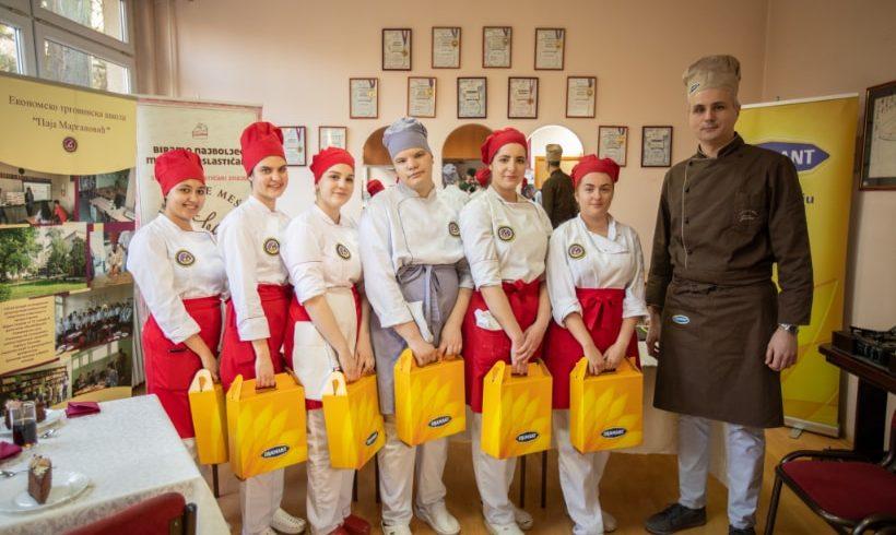 """Treći ciklus projekta """"Mladi poslastičar"""" krunisan je posetom Pančevu i njegovim tartom"""